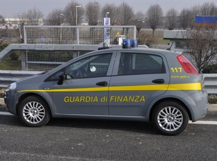 ALPIGNANO - Commerciante organizza una lotteria clandestina: denunciato dalla Finanza