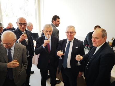 VENARIA - Il brindisi di Regione, Scr e Asl To3 per il completamento del polo sanitario