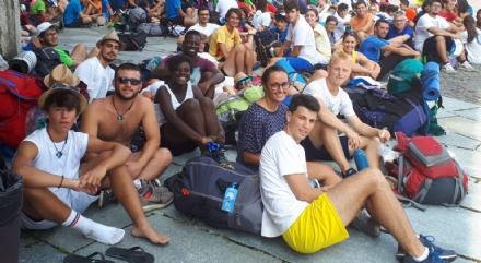 VENARIA - 850 giovani fedeli in Reggia in attesa dellostensione straordinaria della Sindone