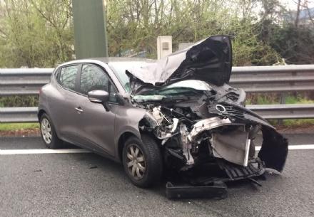 TORINO-CASELLE - Incidente tra due auto: due feriti e code chilometriche