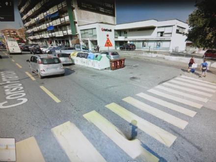 RIVOLI - Investe una donna in corso Francia e scappa: la polizia ricerca testimoni