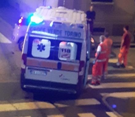 VENARIA - Scontro auto-ambulanza in via Iv Novembre: tre feriti