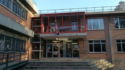 VENARIA - Fessurazioni nel solaio della scuola Rigola: chiuse durgenza sei classi