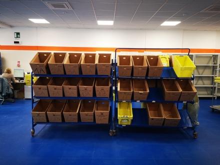 Il centro di distribuzione di Poste Italiane, dove vengono smistati 200mila kg di corrispondenza