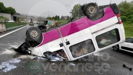 VENARIA REALE - Brutto incidente, tangenziale nord di Torino in tilt: due feriti al Maria Vittoria - FOTO