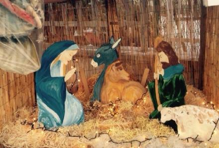 CASELLE - Rubato il Gesù Bambino dal presepe di «Zona 6»