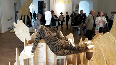 CULTURA - In Reggia domani mattina apre i battenti la mostra di moda «Jungle»