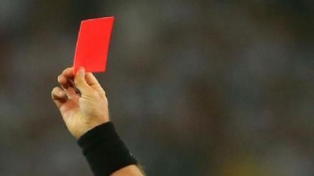 CAFASSE - Follia al «Torneo delle Borgate»: picchiano larbitro e un calciatore