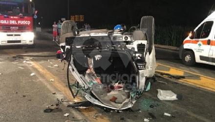 DRUENTO-VENARIA - Terribile incidente sulla Sp1 della Mandria: due ragazzi feriti - FOTO