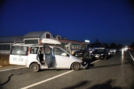 ROBASSOMERO - Scontro fra due auto: quattro feriti, tra cui una bambina