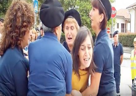 PIANEZZA - Il cortometraggio «Ciao Amore» censurato e tolto dal «Film Food Festival» dopo alcune proteste su Facebook