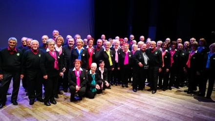 VENARIA - Successo per il concerto «Cinquanta anni cantati con il cuore» del Coro Tre Valli