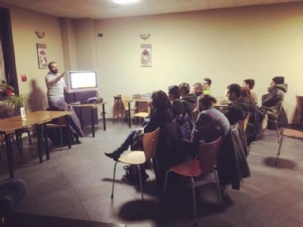 DRUENTO - In via Volta partono i corsi di educazione cinofila grazie alla «E-Dog»