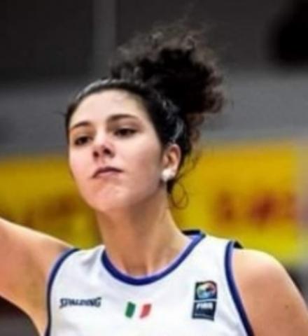 VENARIA-FIANO - Valeria Trucco, neo campionessa dEuropa con lItalia Under 20 di basket