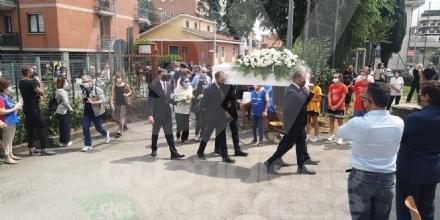 COLLEGNO - Lacrime e tanta commozione ai funerali del piccolo Riccardo Celoria - FOTO