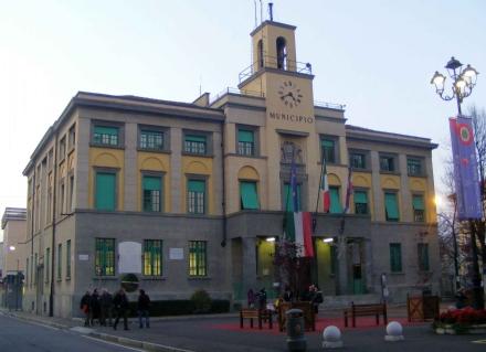 VENARIA - Il consiglio boccia la mozione di sfiducia nei riguardi dellassessore Claudia Nozzetti