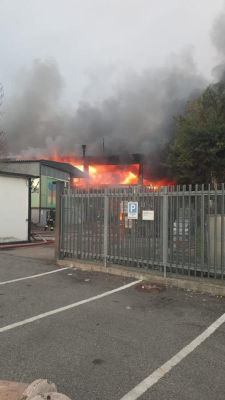 BORGARO - Incendio alla Reinol, lArpa conferma: «nessun problema per lambiente»
