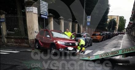 VENARIA - Dopo lennesimo incidente, torna la polemica sulla sicurezza in via Zanellato