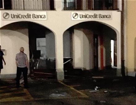 FIANO - Presa la banda che ha assaltato il bancomat Unicredit di via Ottavio Borla: IL VIDEO