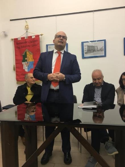 VENARIA - La storia di Castronovo attraverso i libri di Francesco Licata
