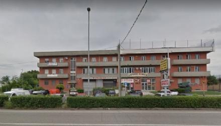 BORGARO - Colpo al Bingo: i ladri entrano dal tetto sfruttando i tubi dellanticendio