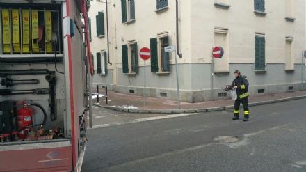 VENARIA - Lavastoviglie prende fuoco: intervengono i pompieri