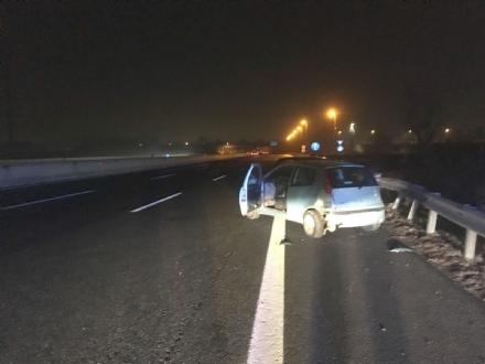 BORGARO-TORINO - Guida ubriaco e provoca incidente: una donna finisce in ospedale