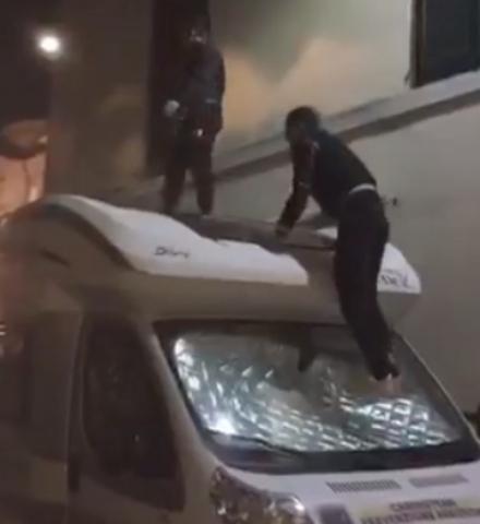 CASELLE - Presi i vandali del camper: «Era una prova di coraggio»