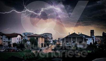 MALTEMPO - Nubifragio in zona: raffiche di vento, pioggia e grandine