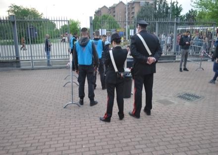 VENARIA - Al concerto di MadMan con hashish e marijuana: quindici giovani segnalati