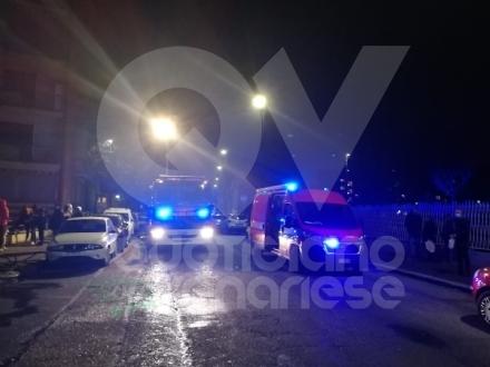 TORINO-VENARIA - Incendio in un alloggio di via Berrino: anziana intossicata, palazzina evacuata