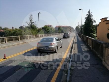 ALPIGNANO - Da oggi pomeriggio riaperto il ponte: no al passaggio di autobus e scuolabus