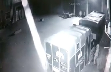COLLEGNO - Furti nel maneggio e in unabitazione: i ladri finiscono su Facebook