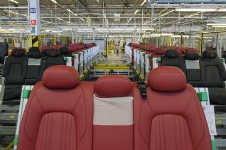 GRUGLIASCO - I sindacati lanciano lallarme sullazienda che produce i sedili per Maserati