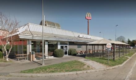 VENARIA - Rapina il Mcdonalds armato di taglierino: arrestato un 26enne