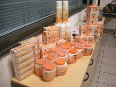 CASELLE - Creme per la pelle pericolose sequestrate in aeroporto dalla Guardia di Finanza
