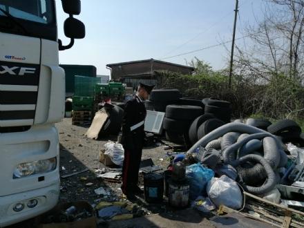 VENARIA-CASELLE - Discariche, bar e officine abusive: i carabinieri denunciano nove persone