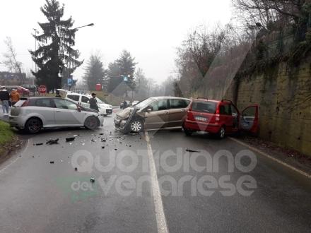 SAN GILLIO - Incidente vicino al cimitero: tre auto coinvolte, un ferito.