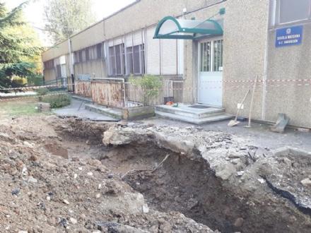VENARIA - Chiusa lacqua alla scuola materna Andersen per colpa di una perdita nelle tubature