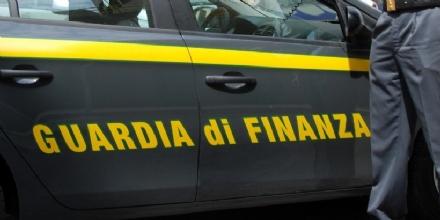VENARIESE - Auto straniere per risparmiare su bollo e assicurazione: maxi multe da parte della Finanza