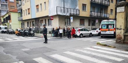 VENARIA - Investita mentre attraversa la strada allincrocio tra via Zanellato e via Sauro