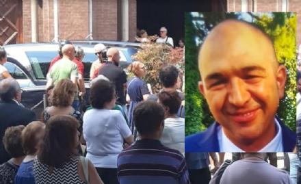 VENARIA - Lultimo saluto della città ad Andrea Vittone, morto con la famiglia a Genova