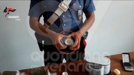 VENARIA-TORINO - La droga nascosta nelle lattine o nei pacchi pieni di alimenti: 7 arresti e 3 denunce
