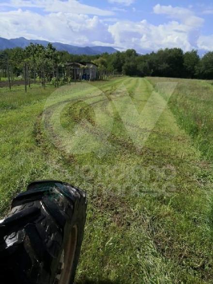 DRUENTO - Il Suv passa sui terreni agricoli di Strada Cortese e Strada Pasturanti, rovinandoli