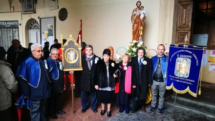 VENARIA - Festeggiato San Giuseppe sotto la pioggia: benedetta la nuova statua - LE FOTO