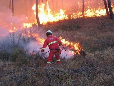GIVOLETTO-VAL DELLA TORRE - Emergenza incendi boschivi: prosegue lo stato di massima pericolosità