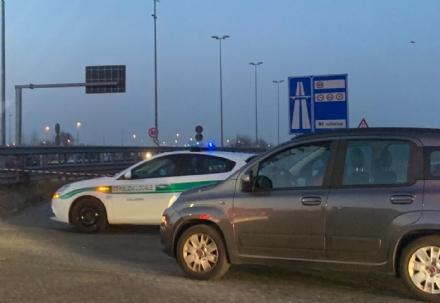 COLLEGNO - Incidente lungo la statale 24: un ferito, caos e code chilometriche