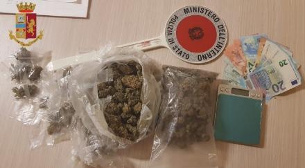 RIVOLI-COLLEGNO - Arrestati i fidanzatini spacciatori: dosi vendute al parco Turati