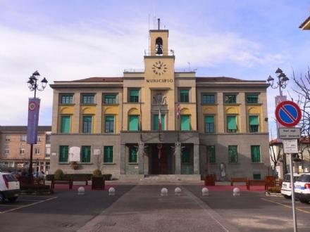 VENARIA - La «ricetta» dei Moderati per incentivare il commercio: «disco orario in viale Buridani»