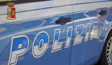 RIVOLI - 25 dosi di marijuana nascoste nella pochette: 20enne arrestata dalla polizia